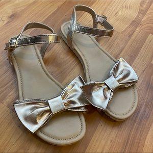 Shoes - Gold Bow size 5 platform sandals